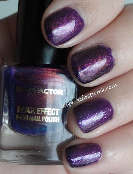 HEMA long lasting nail polish 827 with the Max Factor Max Effect mini nail polish 45 - Fantasy Fire