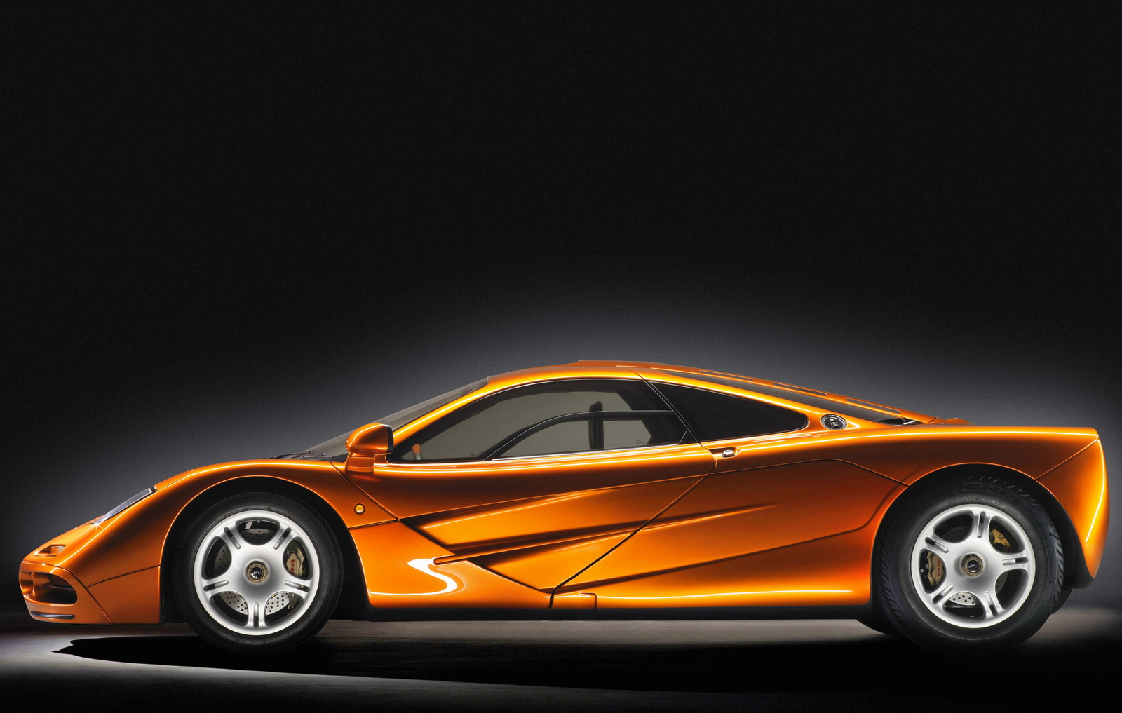 Huyền thoại McLaren F1 sinh nhật lần thứ 24