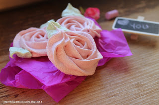 ricetta meringhe a forma di rosa