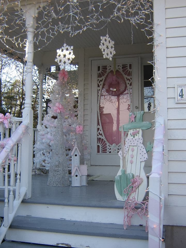Romantic Homes Decorating: Olivia's Romantic Home: Shabby Chic Pink Christmas