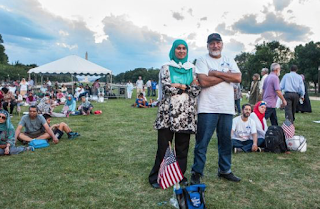 """""""100,000 Expected to Attend Muslim Anti-Terror Rally in DC – Only A Couple Dozen Show Up"""" --Oh, Well..."""