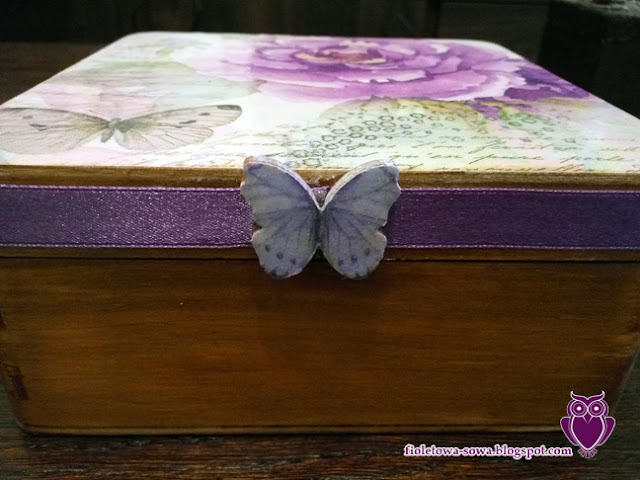 butterflly decoupage box scrap