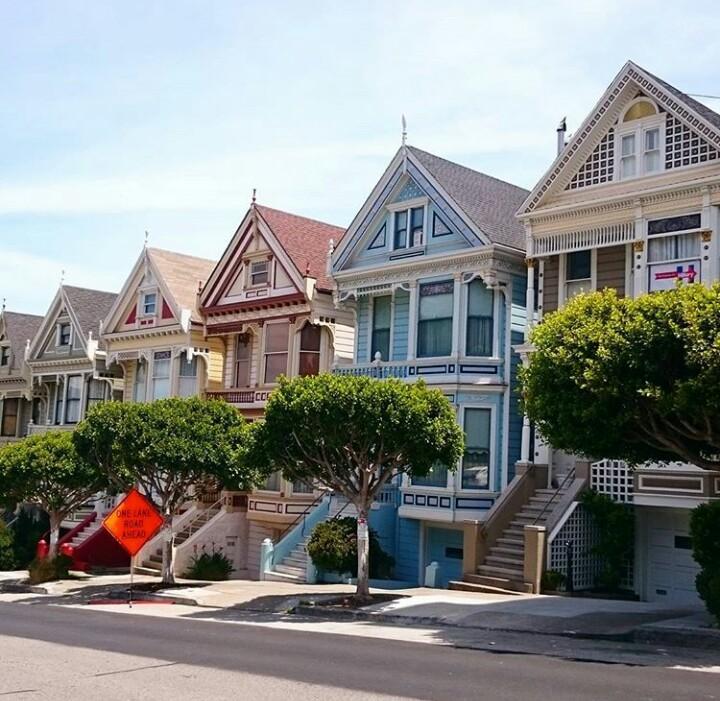 Painted Ladies Victorian Houses Alamo Square San Francisco