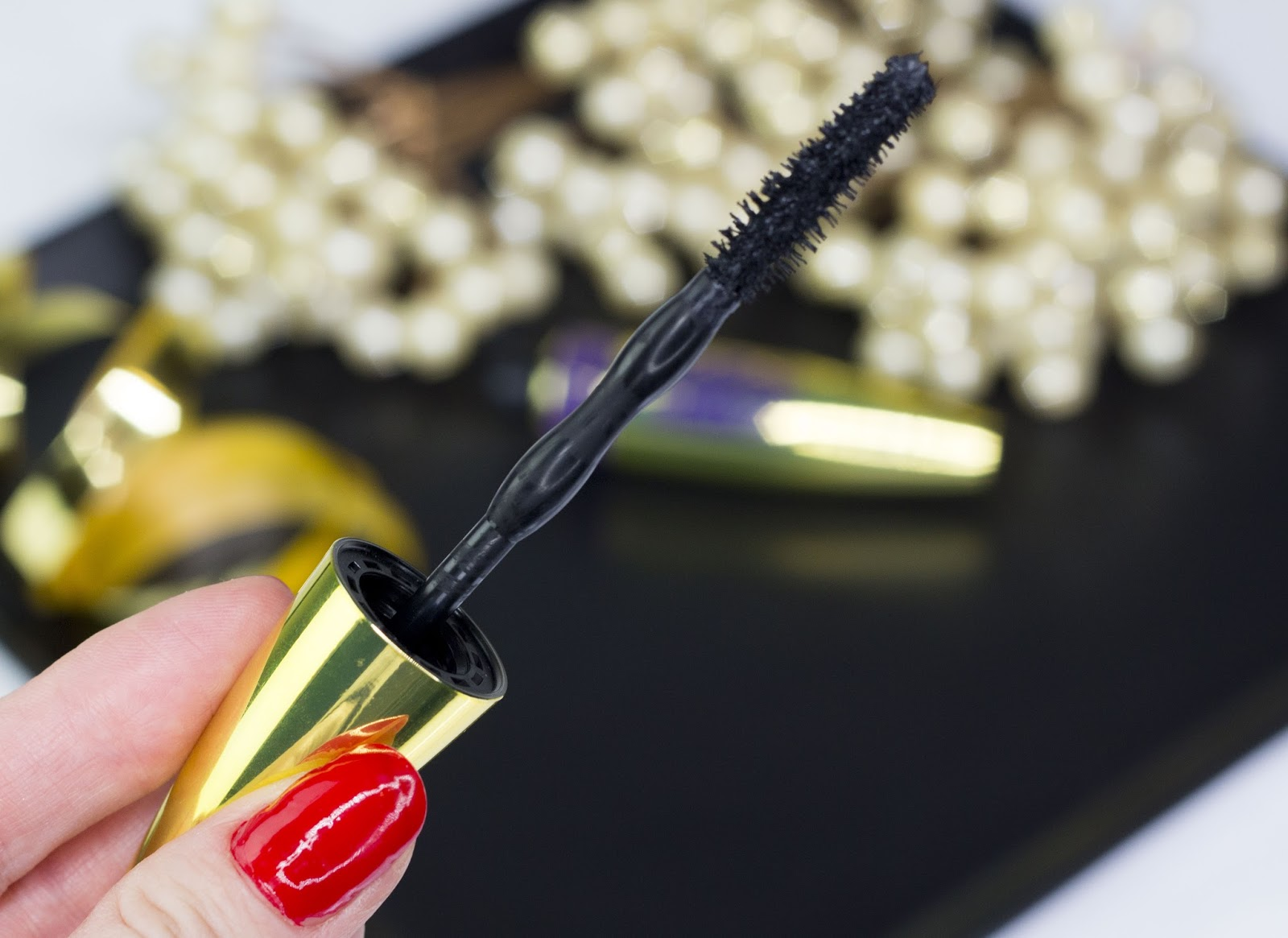 maybelline the colossal big shot volum express mascara