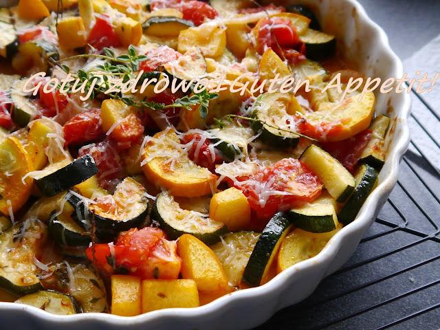 Pieczona cukinia z pomidorami i brzoskwinią - Czytaj więcej »