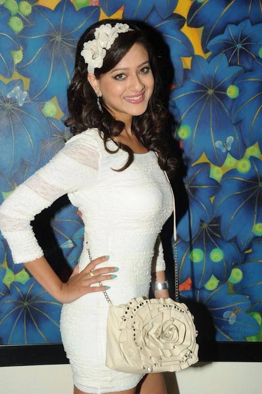 Sexy Madalasa Sharma, Madalasa sharma latest photoshoot, madalasa sharma new hot stills, Perfect body figure of south indian actress, super figure sexy actress