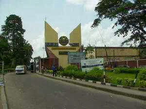 BREAKING NEWS: Gunshots In UNILAG! A Student Axed Down At New Hall!!