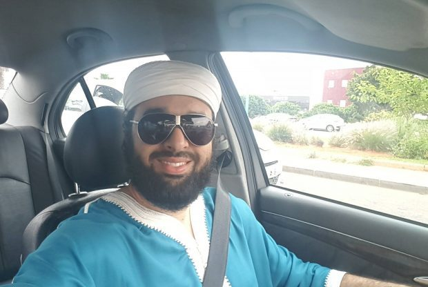 """داعية مغربي يساند """"تعدد الزوجات"""" يثير حفيظة رواد الأزرق"""