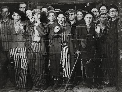 Resultado de imagem para fotos 2ª guerra campos de concentração
