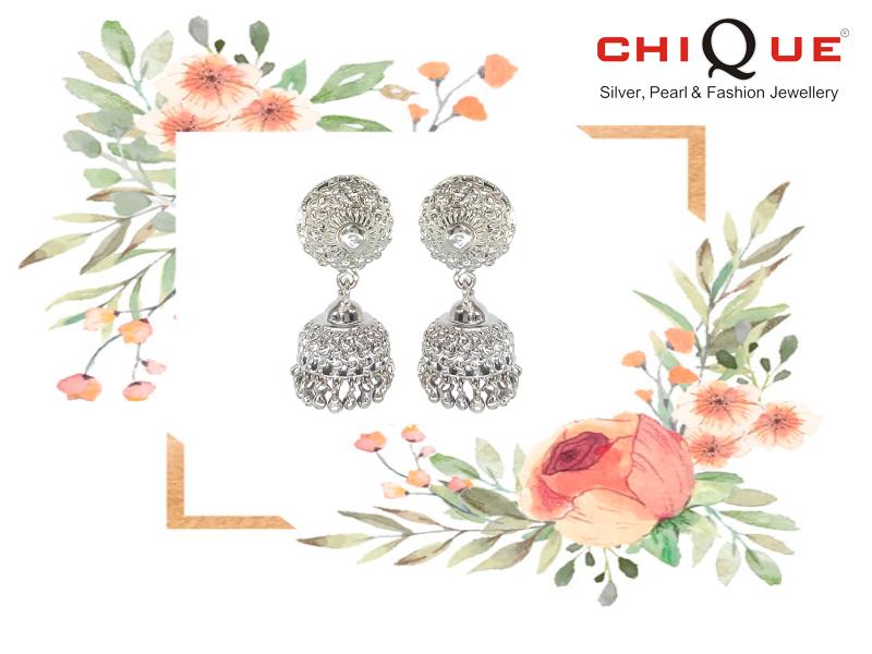 Reliable Personality Woman Star Zircon Hanging Earrings Earrings Two Wearing Wild Earrings