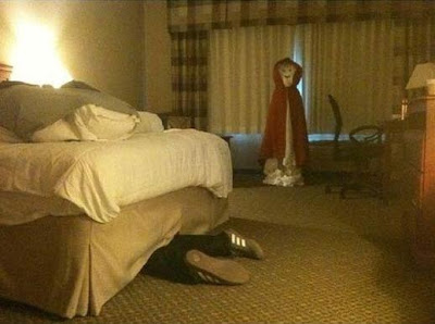 Funny Pictures - How to scare your hotel maid