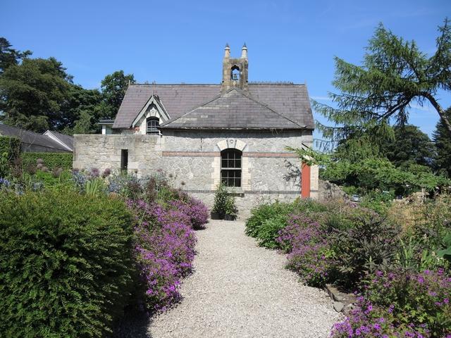 Viktorianisches Bauernhaus in June Blake's Garden
