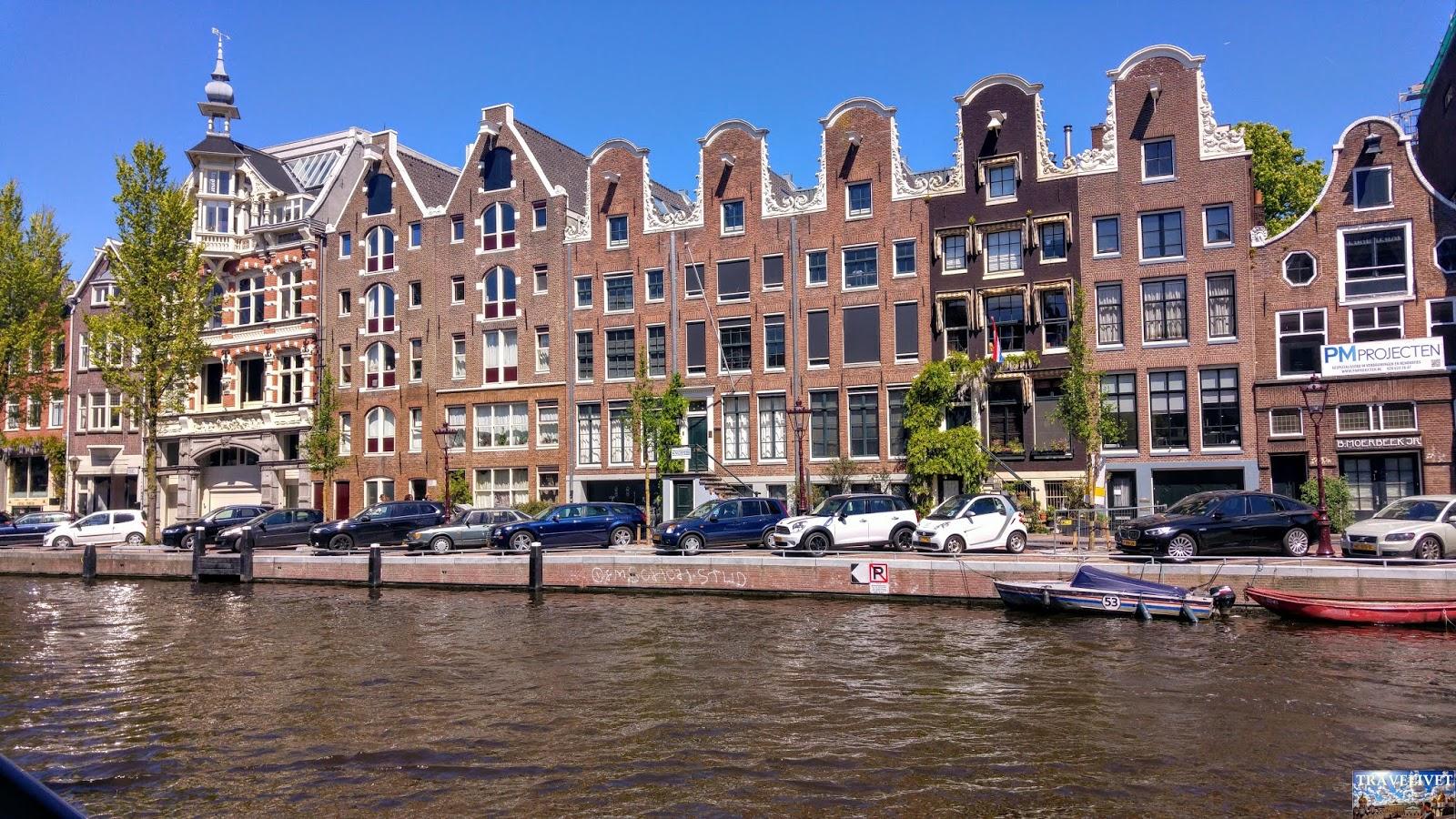 Pays Bas : Amsterdam les poulies sur les façades