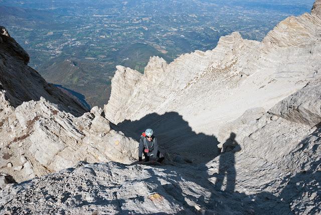 Monte Camicia, cresta ovest