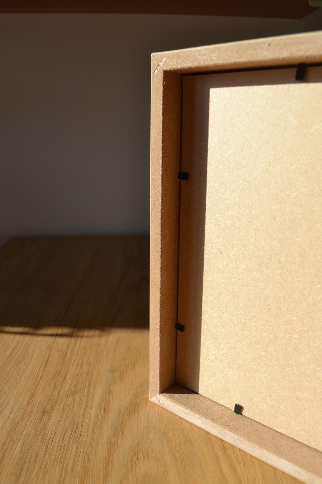 etagere pour cadre photo free juai pas les casiers de la. Black Bedroom Furniture Sets. Home Design Ideas