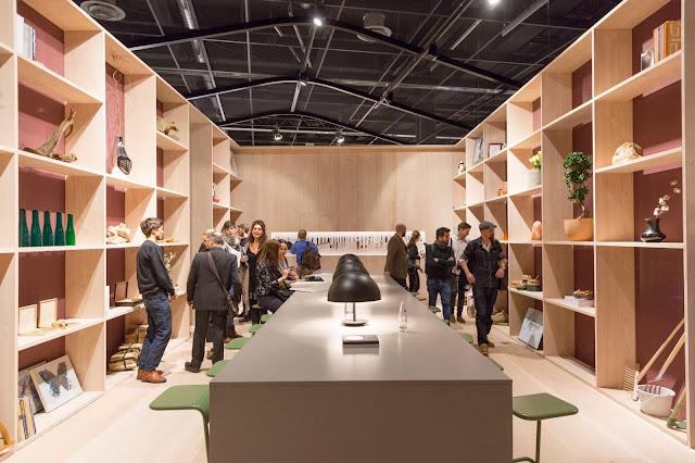 Minimal Wohnen und Leben auf der Kölner Möbelmesse imm cologne 2017: Das Haus von Todd Bracher mit simplem Design