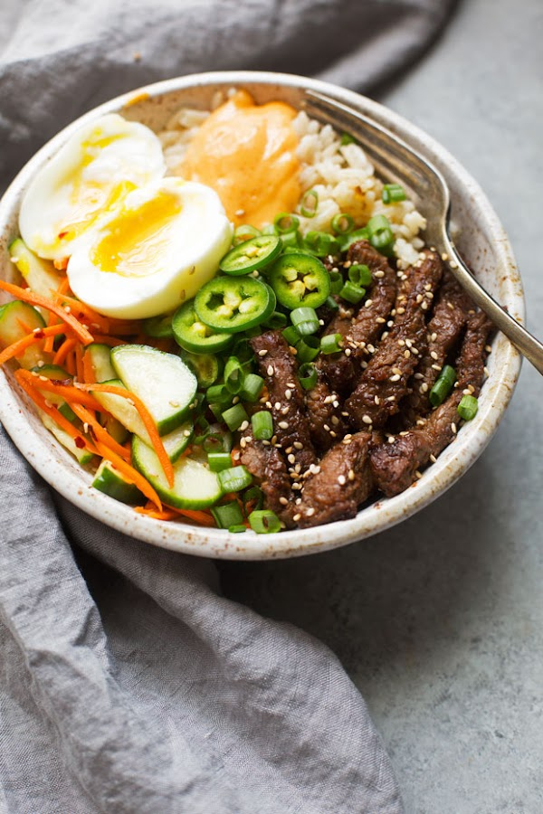 KOREAN BBQ BOWLS WITH GARLIC SCENTED