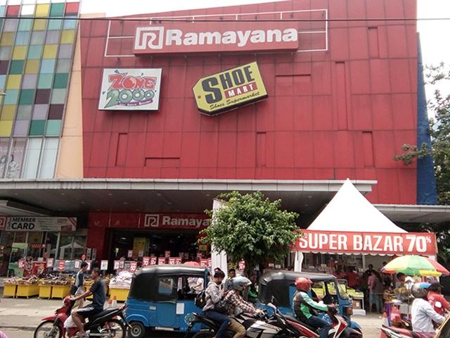 Ramayana prumnas Klender, Antara sepatu, zone 2000 dan Blogging