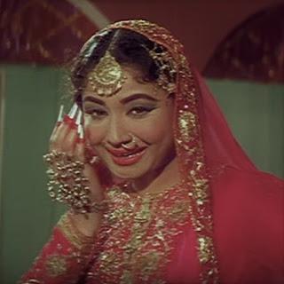 Meena Kumari's Pakeezah song inhi logon ne le liya dupatta mera other 2 versions