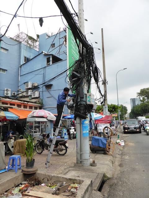 Maraña de cables en Saigón