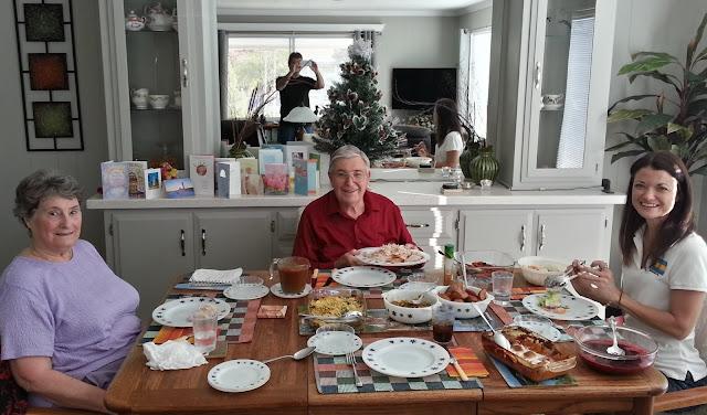 claim jumper thanksgiving take out menu