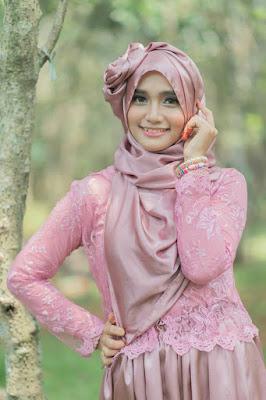Foto Cewek Model  hijab vest Foto Cewek Model  hijab valak