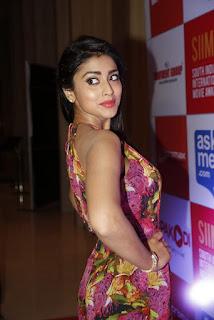 Shriya Saran Latest Pictures (2)