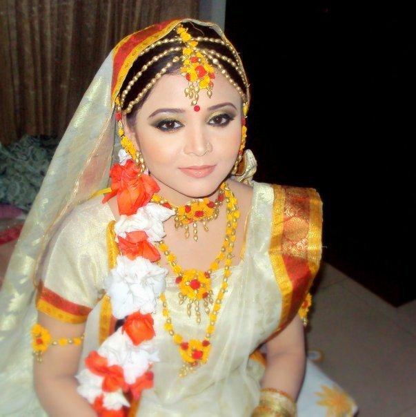 Wedding Snaps: Holud SondhaWedding Snaps