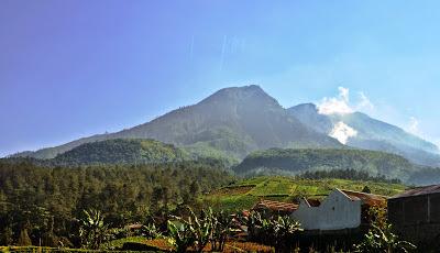 Misteri Gunung Lawu dan Sumpah Brawijaya V