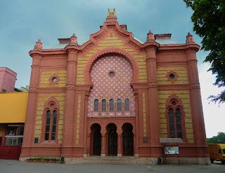 Ужгород. Закарпатская областная филармония. Бывшая синагога