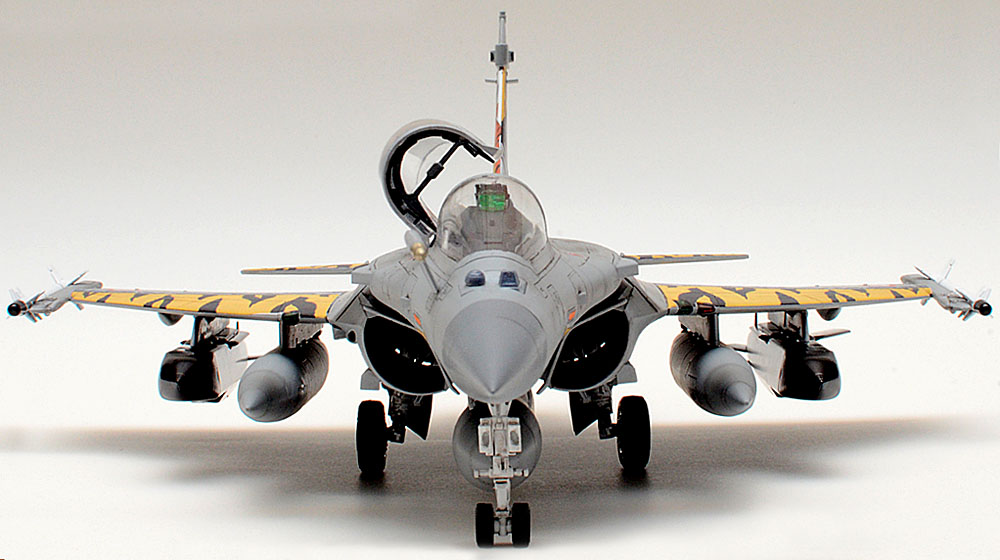 Scale Model News: SWAP F-35 FOR RAFALE OR TYPHOON?