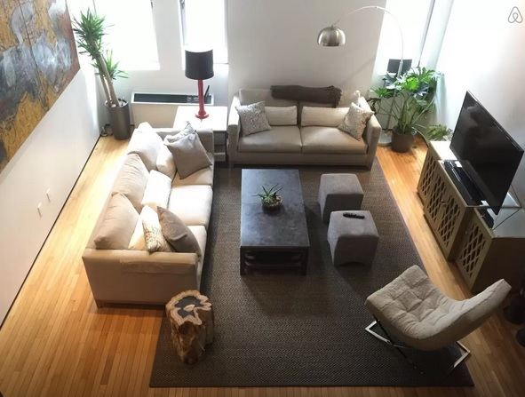 Air BnB Upscale Apartment with Loft Living Room