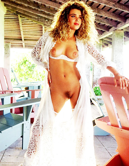 Эротика смотреть. Фото красивых раздевающихся и голых девушек, бесплатно на http://eroticaxxx.ru