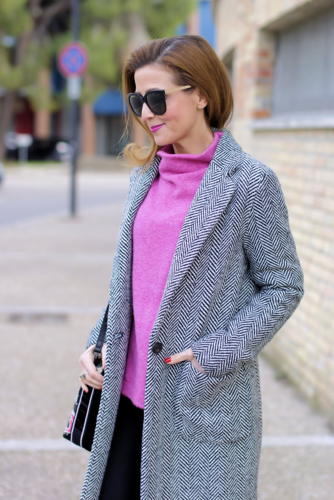 Don't stop me now: last outfit of 2018 with candy pink sweater on Fashion and Cookies fashion blog, fashion blogger style