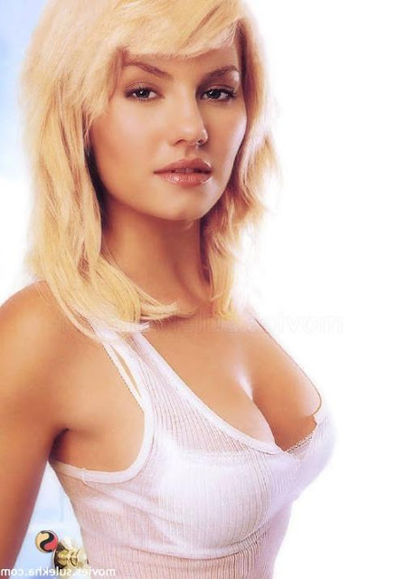 Elisha Cuthbert Latest Photos: Elisha Cuthbert Biography, Latest Hot Bikini Pics Gallery