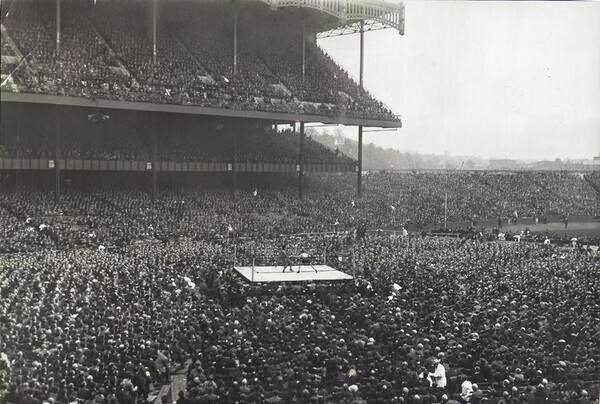 64 Historical Pictures you most likely haven't seen before. # 8 is a bit disturbing! - Boxing in Yankee Stadium, 1923