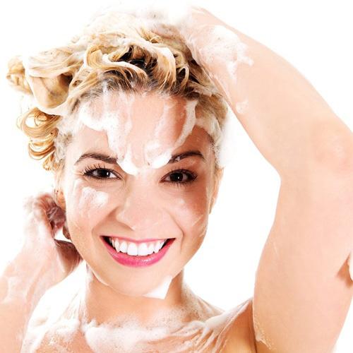 como lavar el pelo para que tenga mas volumen