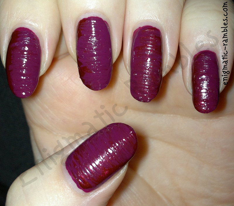 needle-drag-nails-nail-art-elf-eyes-lips-face-punk-purple-cranberry