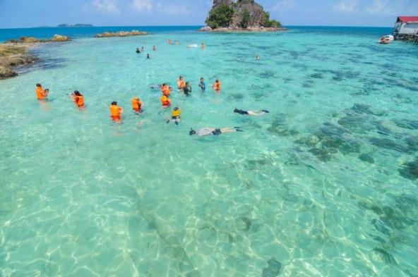 Paket Wisata Snorkeling Pulau Abang Batam