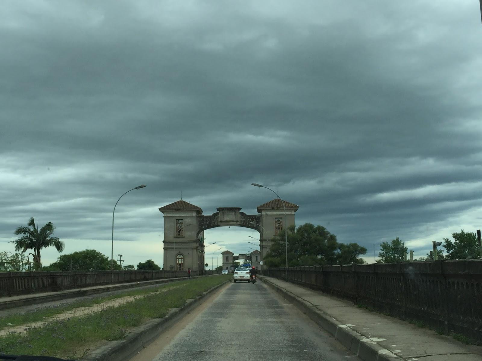 Viagem de carro de Porto Alegre à Colônia del Sacramento