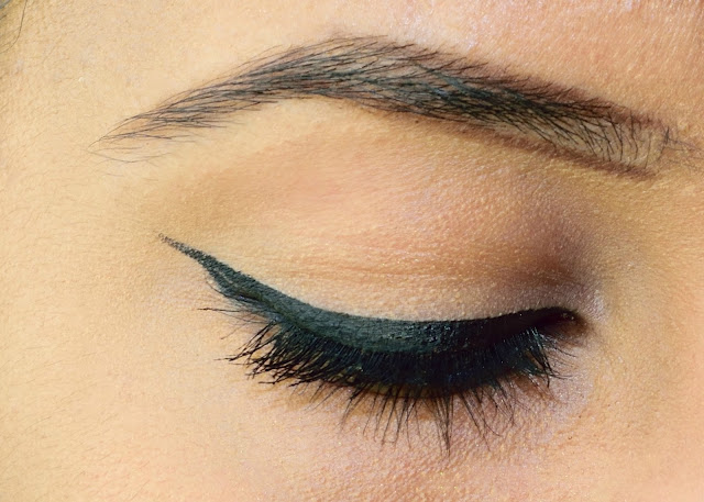 Lined Brows with MAC Espresso - My Everyday Eyebrow Routine