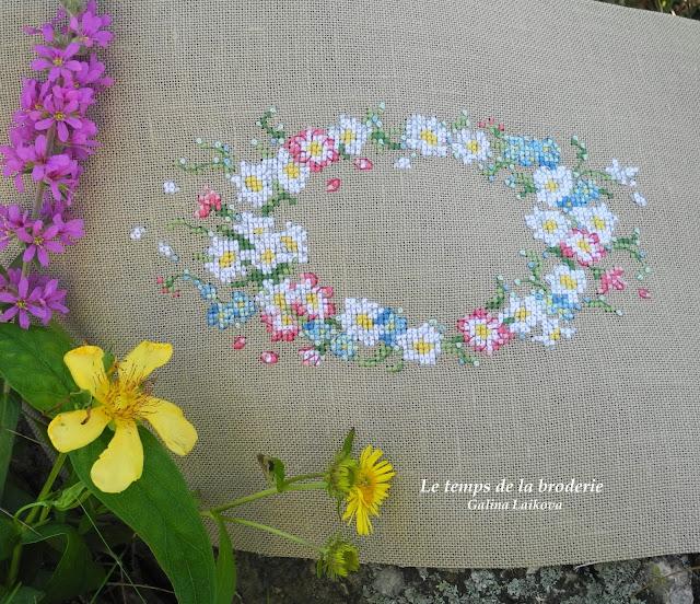 Création Point de Croix, Veronique Enginger, венок с ромашками