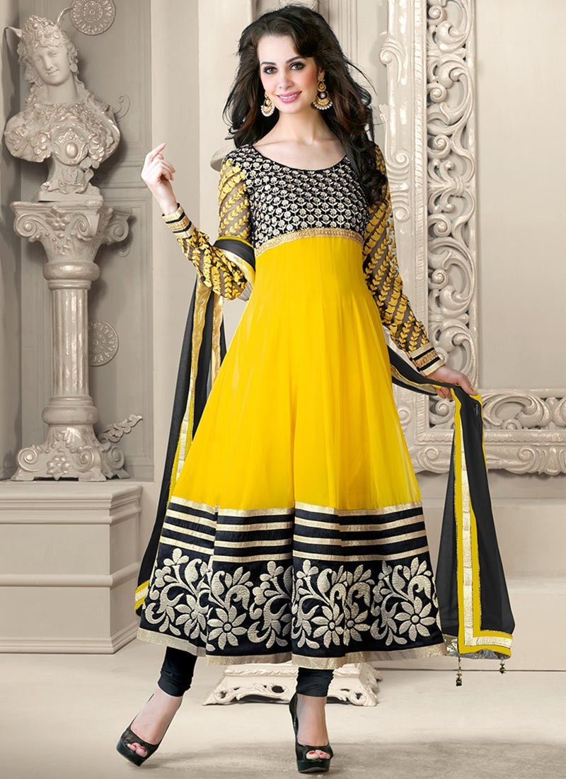 Awesome Nothing Can Beat The Beauty Of Indian Traditional Dresses No Matter What Body Type You Have  Designer Long Kurtis For Women Anklelength Kurti The Typically Long Anklelength Kurtis Are A Great Pi