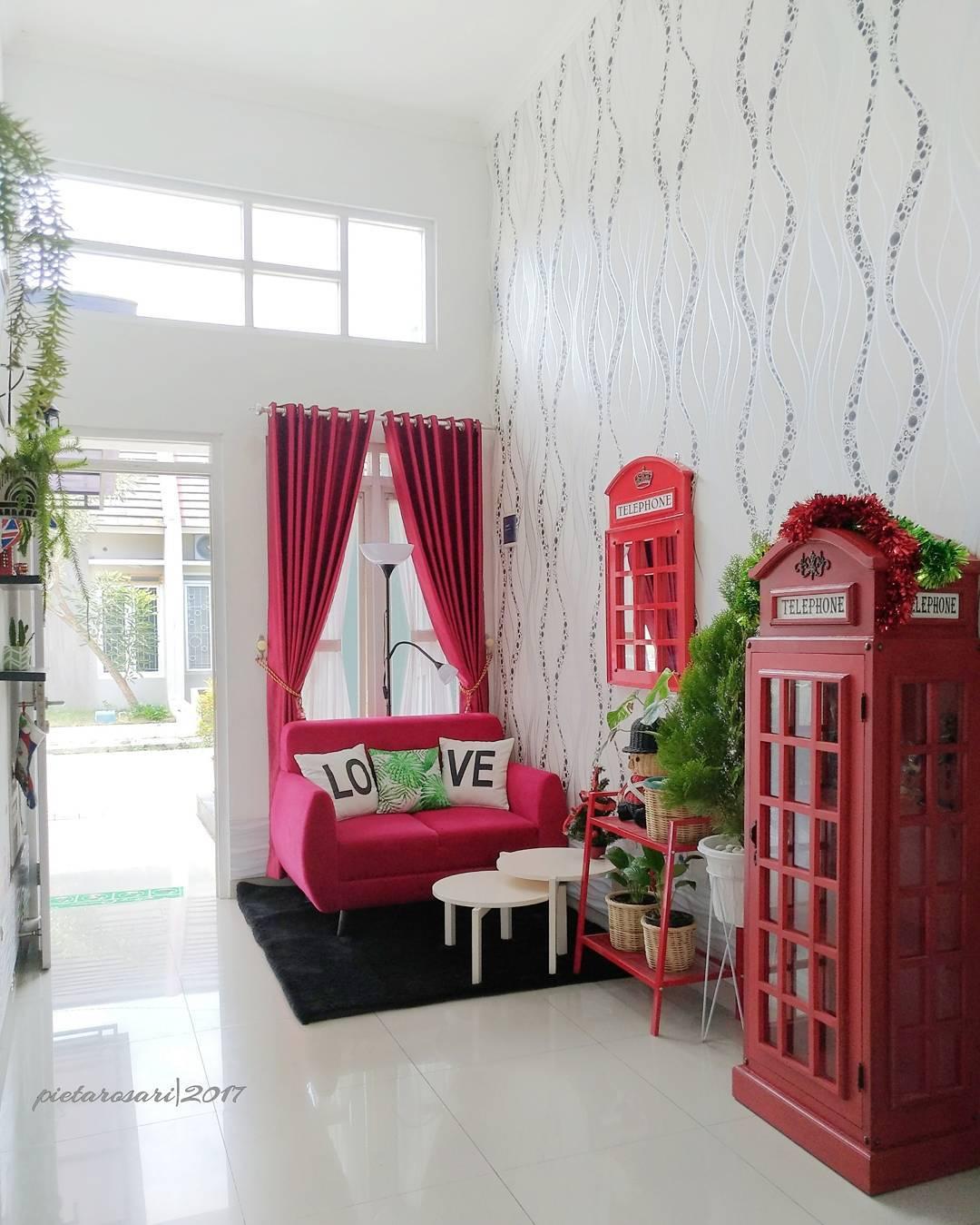 Foto Dekorasi Ruang Tamu Warna Merah Rumah Minimalis