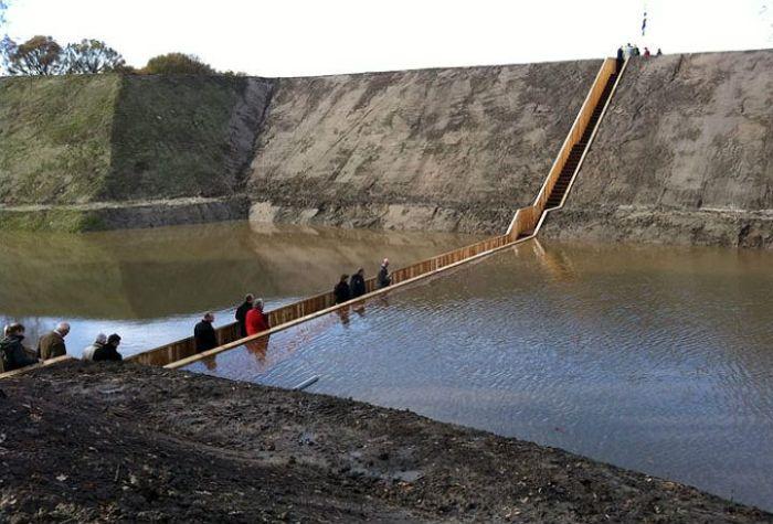 جسر مشاة رووووعه fort-roovere-2.jpg
