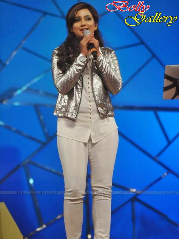 Shreya Ghoshal In Hot And Sexy Poses  Tollywood Cast-3568