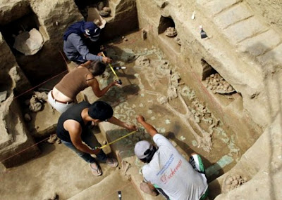 Tomb find confirms powerful women ruled Peru long ago