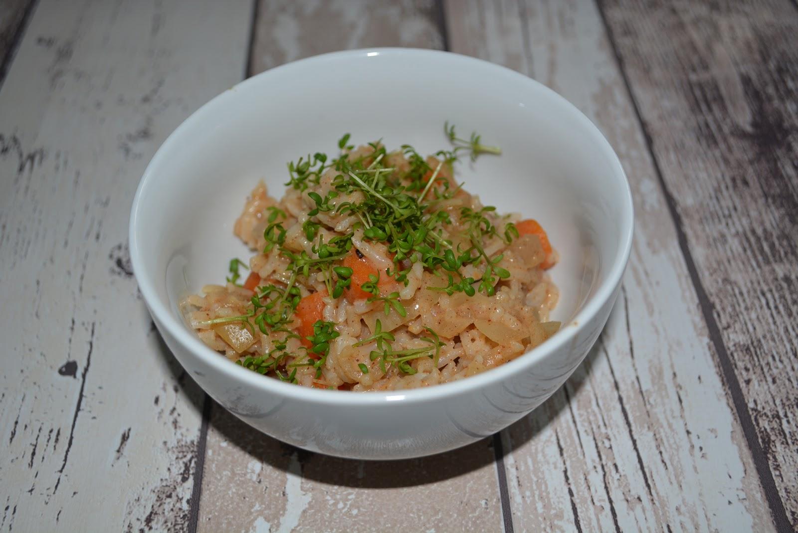 Schnelle vegetarische Küche: Cremiger Gemüsereis mit Nussaroma