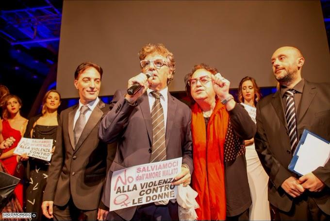 A Napoli sfilata di Aldo Pignatelli Origini per dire 'No alla Violenza'