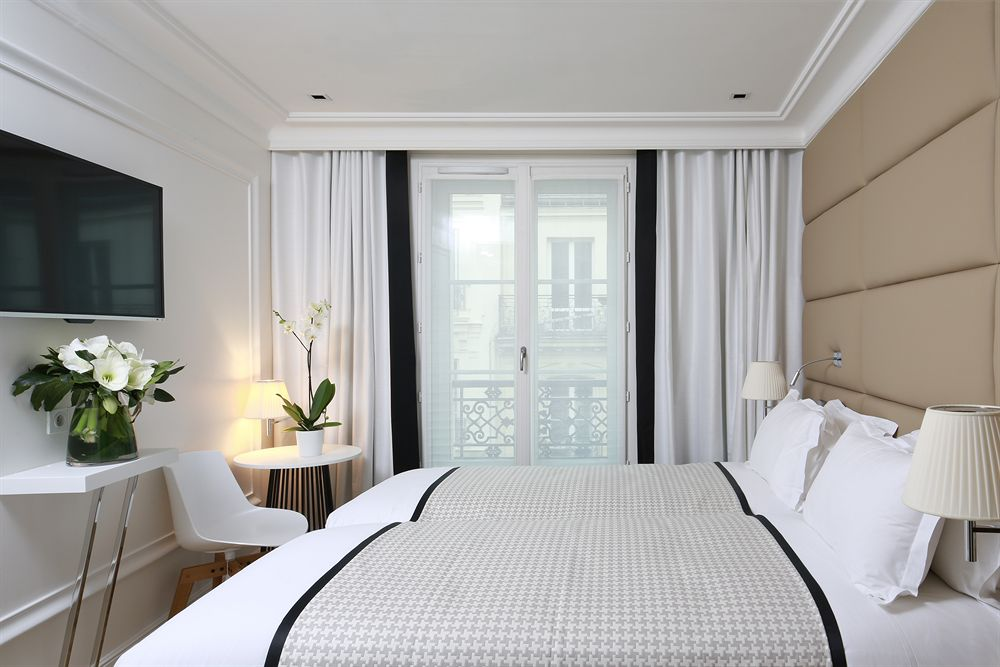 HOTEL R DE PARIS REVIEW BY DELUXSHIONIST